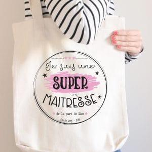 SUPER-MAITRESSE