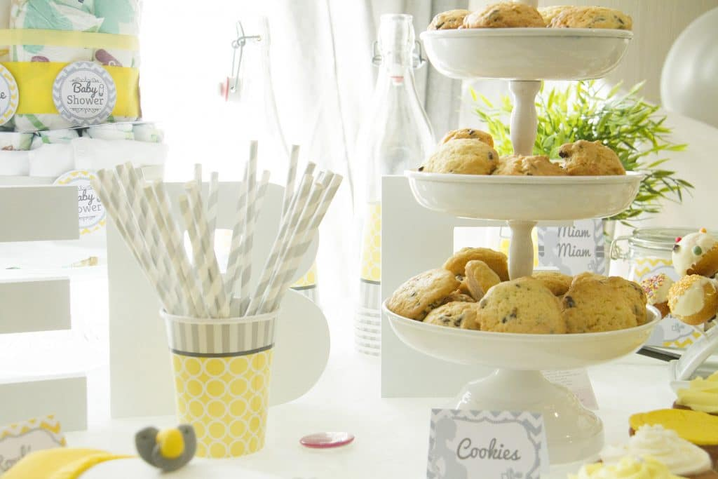 baby shower décoration chevrons jaunes et gris - kit sweet table