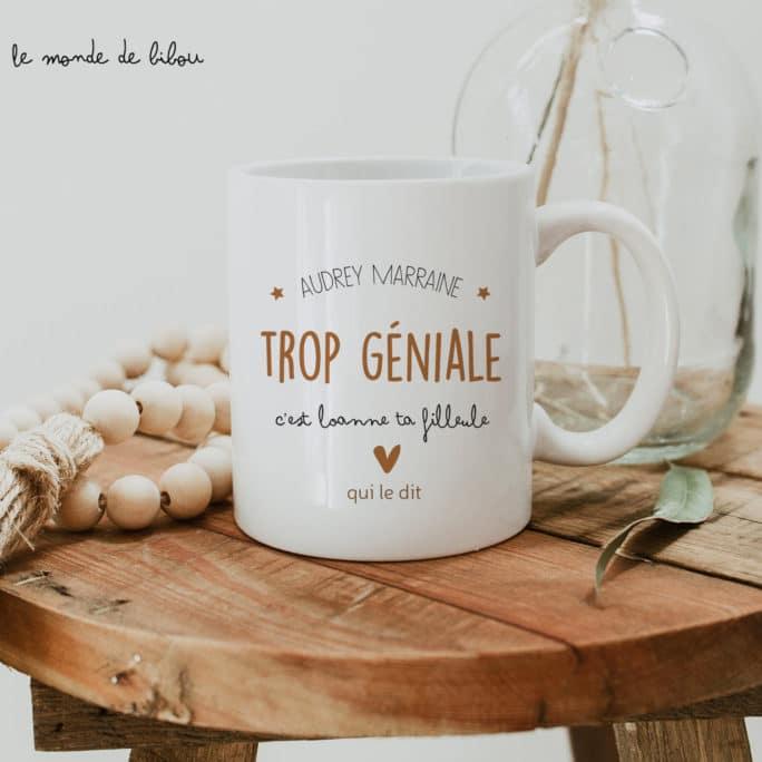 """Mug cadeau personnalisé """"Géniale marraine"""""""