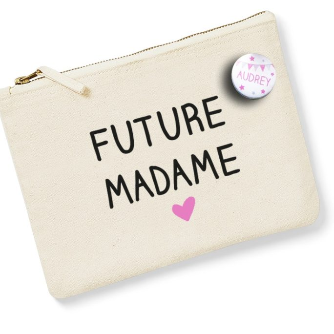 Pochette Future Madame avec badge