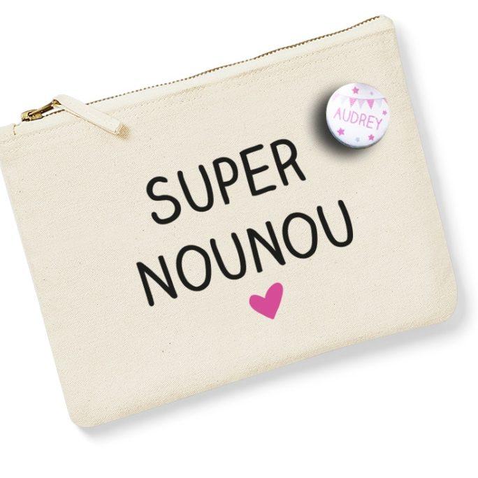 Pochette Super Nounou avec badge