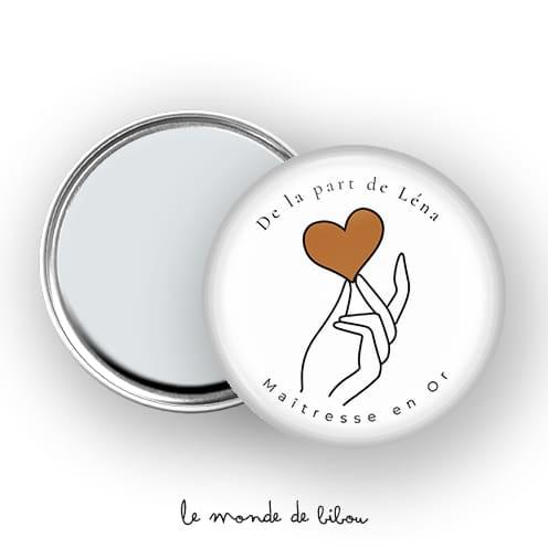 Miroir Maîtresse Main sur le cœur
